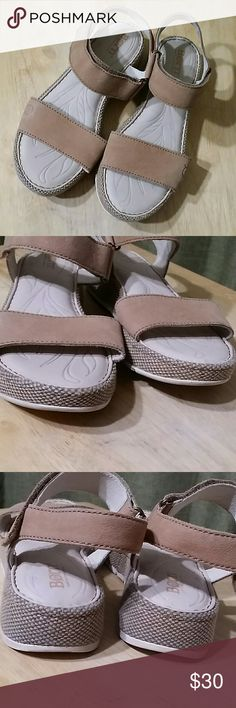 """Born leather sandals Velcro strap Size 6M Leather upper and linings  Nice light cream color 1.5"""" heel  1"""" platform  Normal wear In great preowned condition Born Shoes Sandals"""