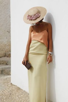 Outfits With Hats, Cool Outfits, Wedding Hats For Guests, Wedding Guest Looks, Girl With Hat, Satin Dresses, I Love Fashion, Dress To Impress, Dress Up