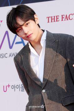 Foto Bts, Bts Photo, Kim Taehyung Funny, V Taehyung, Selca, Taehyung Photoshoot, Bts Twt, V Bts Wallpaper, Daegu