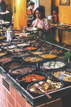 The delicious per-kilo buffet Portinha Gastronomia Típica in Arraial d'Ajuda, Brazil | heneedsfood.com