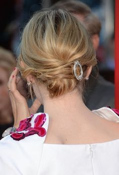 Emma Stone updo {hair how to}