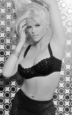 anna nicole smith guess pictures | Anna Nicole Smith Guess Ad | Guess Ads...my favorite! Beautiful women ...