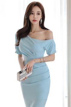 Asian Fashion, Look Fashion, Girl Fashion, Fashion Dresses, Fashion Design, Fashion Tips, Classy Dress, Classy Outfits, Beautiful Outfits