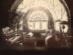 Victorian Parlor, Victorian Life, Victorian Photos, Victorian Decor, Victorian Women, Antique Photos, Vintage Pictures, Vintage Photographs, Old Pictures