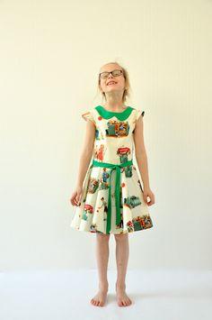 zwierjurk by emma en mona Cute Dresses, Girls Dresses, Summer Dresses, Clothing Patterns, Dress Patterns, Retro Dress, Girls 4, Sewing For Kids, Fashion Kids