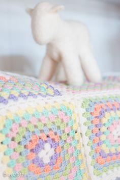 arctic strawberries: hekling/crochet