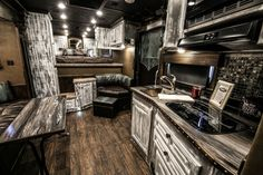 40 Ideas for wheel campers living motorhome Trailer Decor, Trailer Interior, Camper Interior, Trailer House Decorating, Rv Decorating, Motorhome, 5th Wheel Camper, Camper Trailers, Horse Trailers
