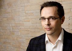 Dirk Schiff im Interview: Suchmaschinenoptimierung gehört zu den bedeutendsten Disziplinen im Online Marketing. Doch welchen Herausforderungen müssen sich Unternehmen stellen, um nachhaltig gute Plätze auf den Suchergebnisseiten zu erreichen