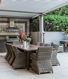 Unique outdoor kitchen designs – tips and ideas for your summer kitchen - Decoration 4 Patio Kitchen, Summer Kitchen, Outdoor Kitchen Design, Patio Design, Outdoor Rooms, Outdoor Dining, Outdoor Furniture Sets, Outdoor Decor, Interior Design Living Room