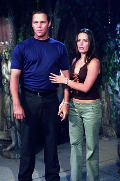 Photo of Piper&Leo Charmed HQ Still for fans of Piper and Leo 420279 Serie Charmed, Charmed Tv Show, Holly Marie Combs, Rose Mcgowan, Kaley Cuoco, Alyssa Milano, Mcleod's Daughters, Playboy Logo, Charmed Sisters
