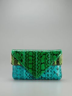 #Handbags Famous Shoe Designer Brian Atwood Launches First Handbags Collection