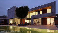Haus mit Pool I