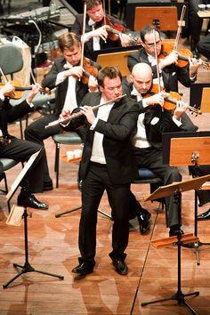 Flautista francês Emmanuel Pahud em concerto com a Osesp em Campos do ...