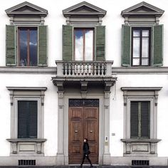 """Steller on Instagram: """"Stroll the streets of Firenze in @gionata_s' Steller story, """"How to Spend a Day in Florence"""", featured as part the """"City Glimpses Italy"""" collection. ^ For the month of February, we're asking our community to participate in @passionpassport's """"City Glimpses Italy"""" by sharing your favorite cities, back streets, and photo spots throughout Italy. So be sure to share your favorite Italian cities on Steller too for a chance to be featured in #passionpassport's complete…"""