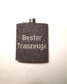 Flachmann mit Wollfilzhülle Bester Trauzeuge  von Hermers-Design auf DaWanda.com