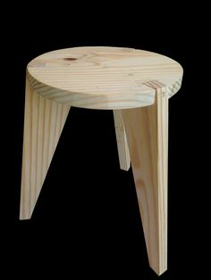 Bench design by Ashkan Heydari (Icone stool), developed in the carpentry workshop – Bank Pinus wood piece and Postproce … – # diymöbel by diy_mobeltoday Wood Chair Design, Wood Stool, Wood Design, Wood Table, Furniture Projects, Wood Furniture, Furniture Cleaning, Furniture Movers, Cheap Furniture