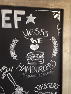 Fun to Do. Met een krijtstift een tekst met versieringen en tekeningen maken, voor een restaurant in lelystad.