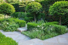 Larger looks — Lynne Marcus Garden Design London Vegetable Garden Planters, Topiary Garden, Vegetable Garden Design, Garden Design London, London Garden, Back Gardens, Small Gardens, Patio Gardens, Contemporary Garden Design