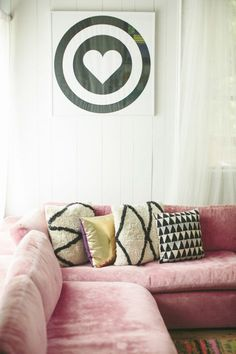 this couch looks so delicious, I want to lick it..! Rose Quartz