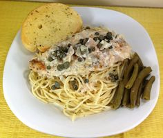 Chicken piccata with green beans and garlic toast