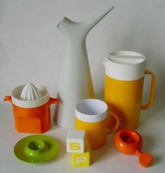 A sampling of kitchenwares designed by Sigvard Bernadotte. Click images for larger views. Swedish Design, Scandinavian Design, Stig Lindberg, Retro Furniture, Nordic Style, Mid Century Design, Timeless Design, Kitchenware, Industrial Design