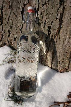 Flasche mit der Blume des Lebens und von LovelyEnergyWare auf Etsy