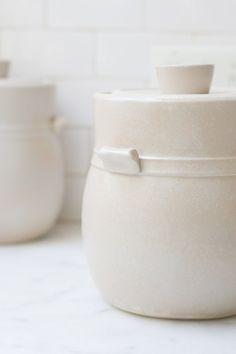 Sarah Kersten's fermentation crock, via quitokeeto