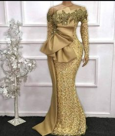 Latest African Fashion Dresses, African Dresses For Women, Women's Fashion Dresses, African Women, Latest Ankara Dresses, Ankara Styles For Women, Mode Outfits, Dress Outfits, Nigerian Lace Dress