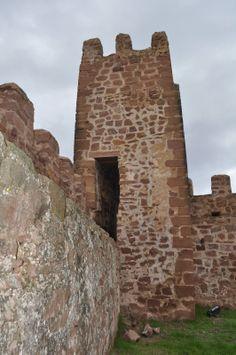 Os invitamos a pasear por el  Castillo de Peracense.  #historia #turismo  http://www.rutasconhistoria.es/loc/castillo-de-peracense