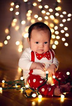 20 милых малышей, которые просто взорвали свою первую новогоднюю фотосъемку. Ими не налюбоваться!