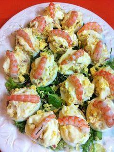 : Huevos Rellenos De Jamón Y Gambas Egg Recipes, Kitchen Recipes, Cooking Recipes, Healthy Recipes, Appetizer Sandwiches, Appetizer Recipes, Easy Dinner Recipes, Easy Meals, Good Food