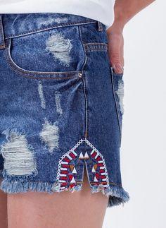 Short Jeans com Bordado                                                                                                                                                                                 Mais