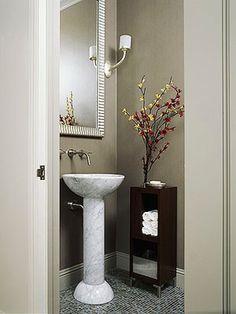 El diseño y la decoración del toilette de recepción o baño para las visitas suele ser un desafío. Usualmente, son espacios reducidos, está...