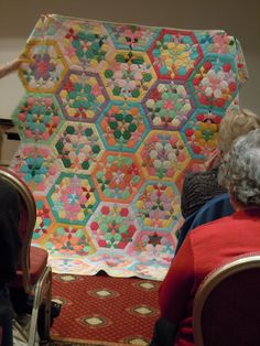 Australian Quilt Study Groups: Report on the 30th July 2011 talk by Trish Bloomfield about the joys and pitfalls of collecting old quilts.