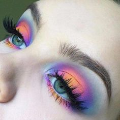 Sunset eye shadow 🖤 #eyeshadow #sunseteyeshadow #mua #makeup #makeupinspo #longlashes Pretty Makeup, Makeup Eye Looks, Can Makeup, Bright Eye Makeup, Shimmer Eye Makeup, Makeup Geek, Makeup Remover, Makeup Brushes, Makeup Inspo