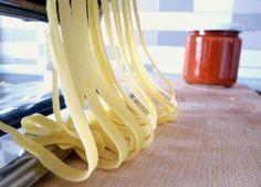 Nejlepší italské těstoviny – domácí PASTA / Ochutnejte svět - blog mezinárodní kuchyně Recipe Images, Clothes Hanger, Food To Make, Food And Drink, Homemade, Kitchen, Recipes, Blog, Hampers