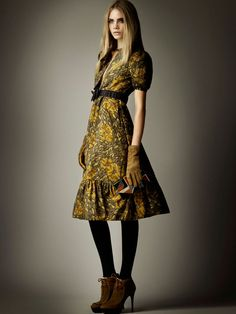 burberry prefall5 Cara Delevingne for Burberry Pre Fall 2012 Collection