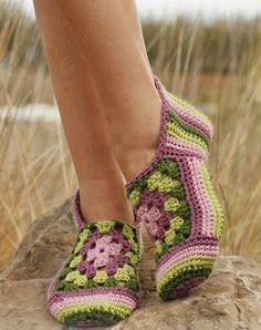 Hobby lavori femminili - ricamo - uncinetto - maglia  pantofole uncinetto  Uncinetto Ad Esagono 69ea2ab92817