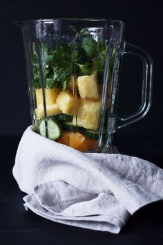 good morning kiss: pinapple, cucumber, orange and mint smoothie