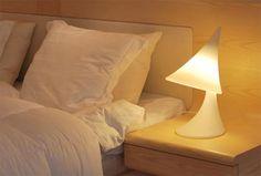 Lastenhuoneeseen söpö lamppu yöpöydälle  Nukkumatti lamp by Eero Aarnio, perfect to kids room