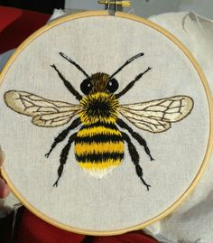 Bumble bee Bee Embroidery, Hand Embroidery Patterns, Cross Stitch Embroidery, Embroidery Designs, Cross Stitch Quotes, Bee Jewelry, Bee Art, Bee Theme, Bee Happy