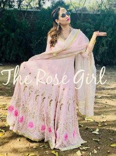 @jot❤ Party Wear Indian Dresses, Indian Wedding Outfits, Bridal Dresses, Indian Suits, Punjabi Suits, Salwar Suits, Indian Wear, Simple Dresses, Nice Dresses