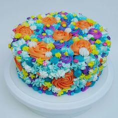 Torta de flores surtidas.en crema.