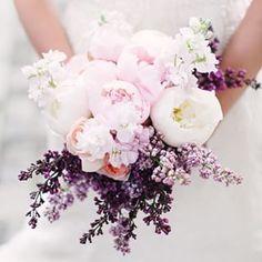 ウェディングブーケの新トレンド!丸くてゴージャスなあのお花が大人気 | by.S