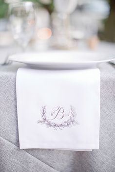 monogram table runner | Harwell Photography #wedding