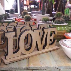 Y qué vas a regalar en San Valentin?... #DecoOutlet Instagram Posts, Home Decor, Saints, Valentines, Wood, Decoration Home, Room Decor, Home Interior Design, Home Decoration