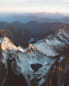 bdorts: Peaks of the North Cascades.