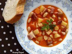 AranyTepsi: Fehérbableves füstölt csülökkel Cheeseburger Chowder, Thai Red Curry, Soup, Ethnic Recipes, Soups