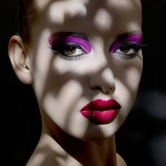 Makeup - Purple eyeshadow Fair Skin Makeup, Hair Makeup, Makeup Videos, Makeup Tips, Make Up Art, How To Make, Dance Makeup, Purple Eyeshadow, Makeup Routine
