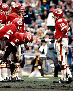 Len Dawson, Kansas City Chiefs, QB of alltime. record in Pro Football Championship games. Kansas City Chiefs Football, American Football League, Nfl Football Players, Nfl Football Teams, Football Hall Of Fame, National Football League, Nfl Uniforms, Sporting Kansas City, American Football